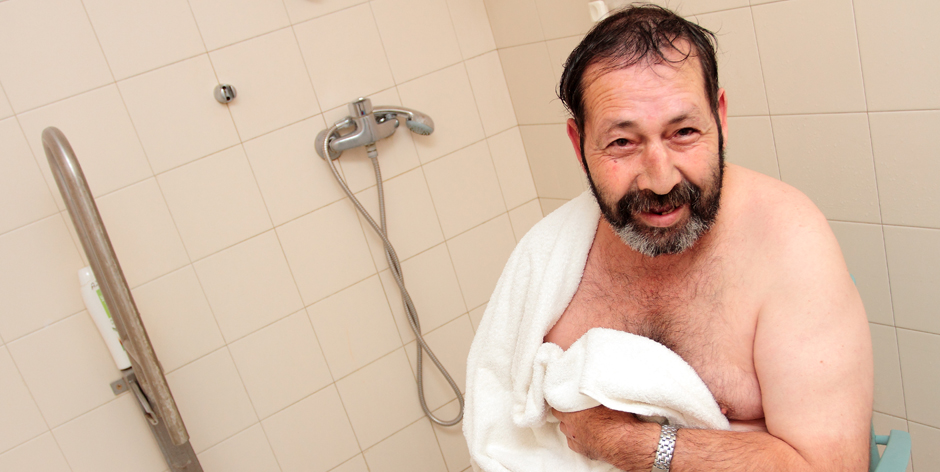 Arrels amplia el servei de dutxes