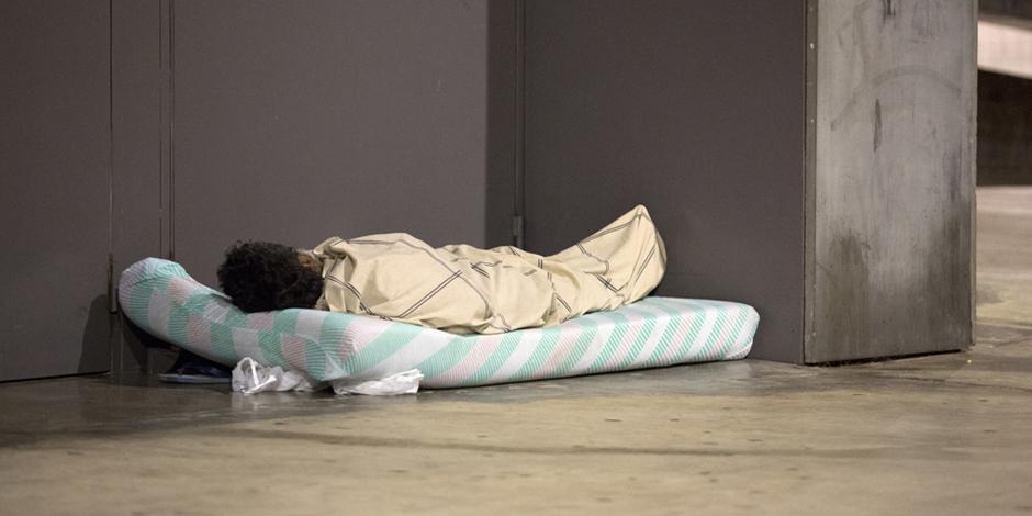 3 anys i 9 mesos, el temps mig que les persones sense sostre a Barcelona dormen al carrer, segons el cens d'Arrels