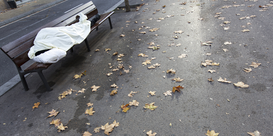 ¿Qué se activa en Barcelona para las personas sin hogar cuando llega el frío?