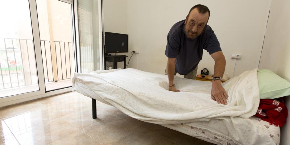 Arrels atiende a un 50% más de personas sin hogar que hace cinco años