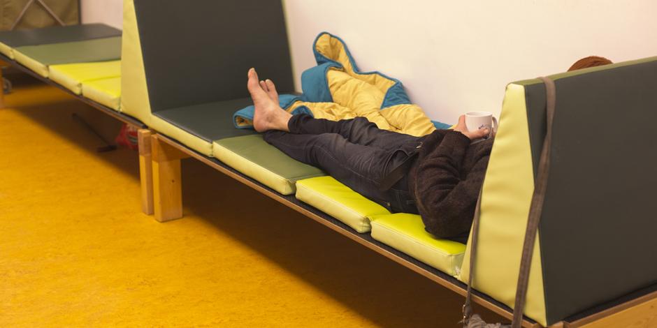 5 propostes per garantir els drets de les persones que dormen al carrer a Barcelona