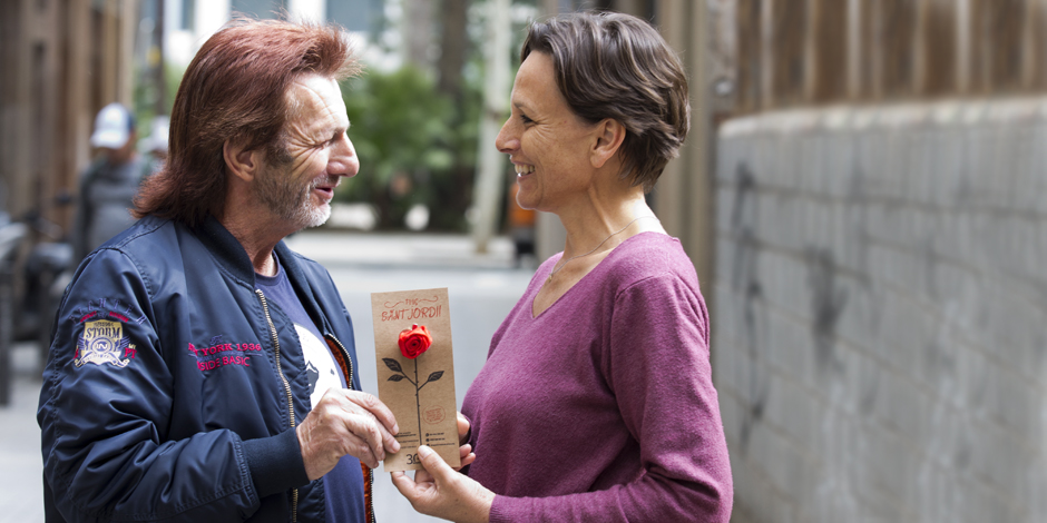 Per Sant Jordi, suma't al crit #ningúdormintalcarrer